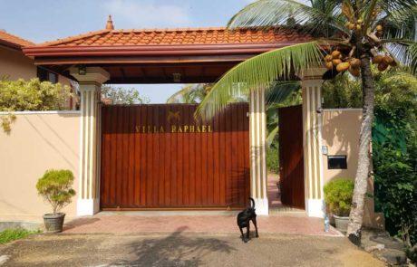 Ayurveda Resort Zufahrt Eingangstor Villa Raphael Sri Lanka Bentota