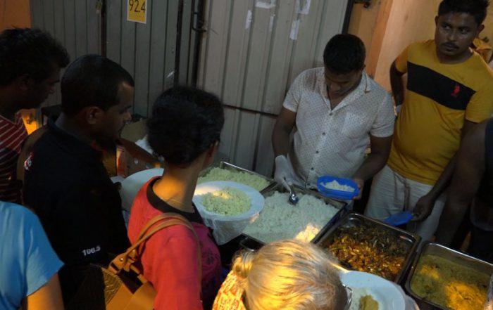 Buddhistische Zeremonie bei Vollmond Buffet Sri Lanka