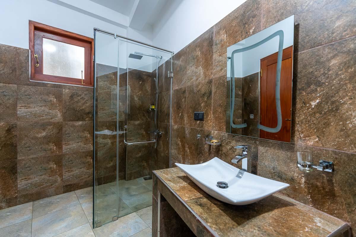 Badezimmer modern und sauber