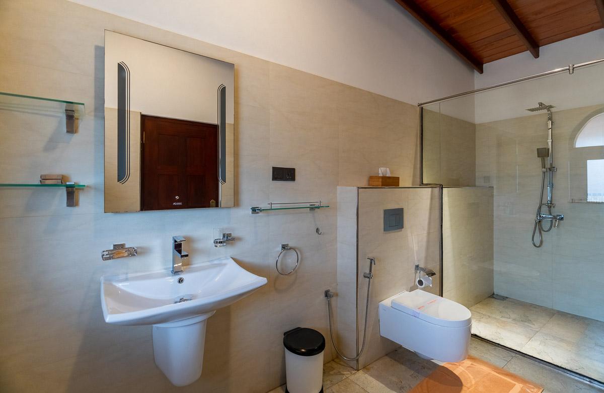 Bathroom modern and clean
