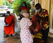 Spendenaktion: Menschen in Not erhalten Essensvorraete